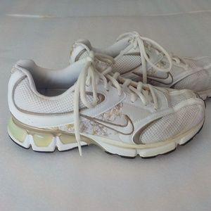Nike White Leather & Mesh Sneaker w/Side Design